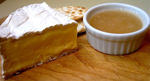 Ice wine jelly with Comfort Cream cheese and crackers